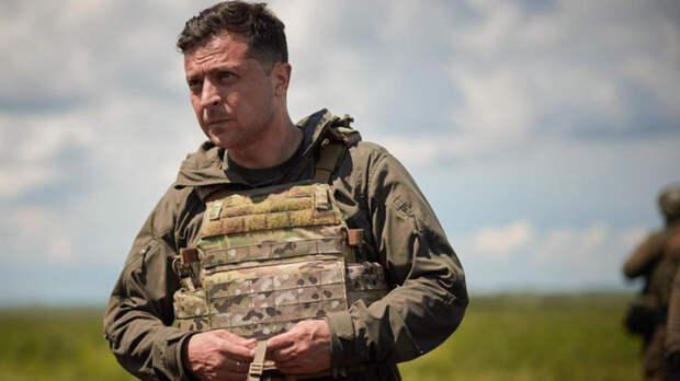 Зеленский покрасовался перед американскими СМИ в каске и бронежилете
