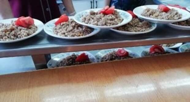 Оперштаб Шекснинского района продолжает проверять организацию питания в школах