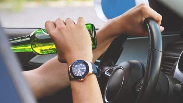 Юрист Петропольский перечислил варианты вождения после приема спиртного