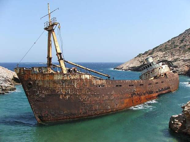 10 самых эффектных обломков кораблекрушений изразных уголков планеты
