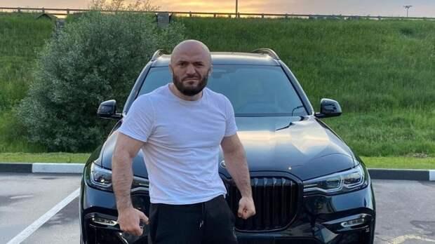 """Исмаилов считает, что Нурмагомедов является """"проектом"""" покойного отца"""