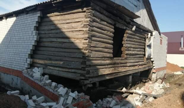 ВТатарстане рабочих завалило кирпичной стеной