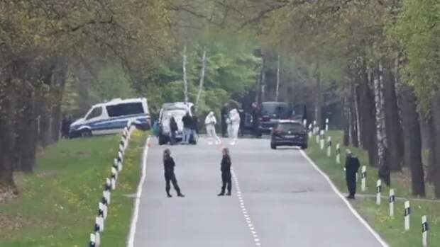 На шоссе в Нижней Саксонии нашли тело маленький девочки: куда ведет след