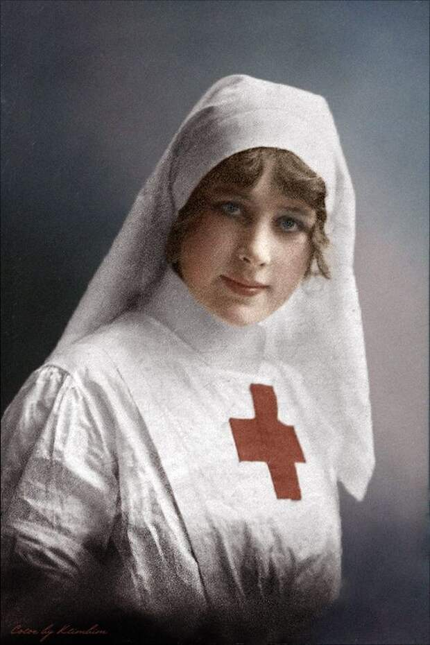 В 1818 году создана организация сиделок, призванных следить за состоянием больного и проводить некоторые медицинские манипуляции. интересное, история, медсестры, подвиг, факты