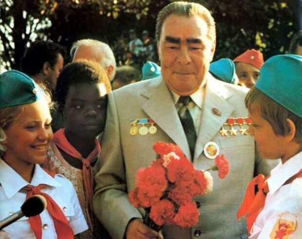 От застоя до отстоя. СССР времен Брежнева.