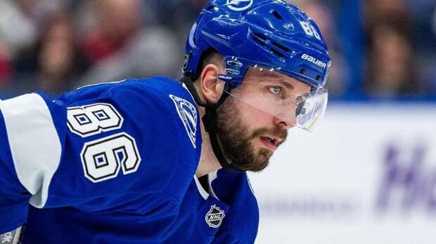 Хоккеист Кучеров забросил шайбу в первом матче НХЛ после травмы