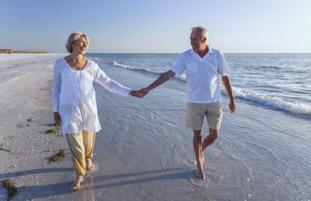 После отдыха с ухажером-пенсионером подруга сразу же решила прекратить отношения. Она думает, что они разные в совместной жизни.