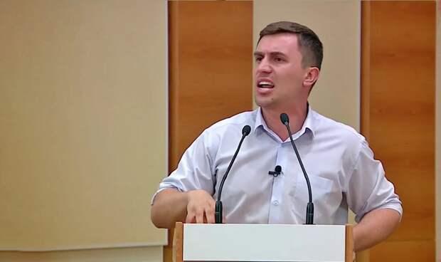 «Единая Россия» запретила высказывать свое мнение о власти в соцсетях – депутат Бондаренко прокомментировал новый законопроект