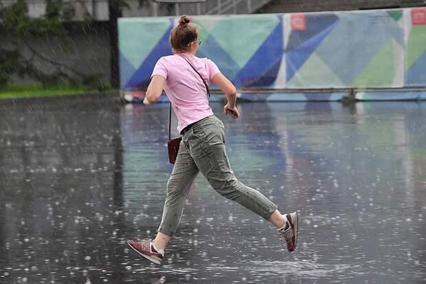 Москва из-за рекордного дождя со снегом встала в пробки 10 баллов