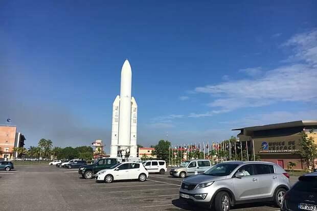 «Роскосмос» ведет переговоры о возможности использовать космодром Куру под пилотируемые пуски