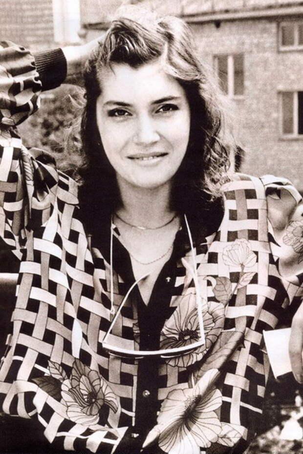Красавицы 90-ых: Вера Сотникова