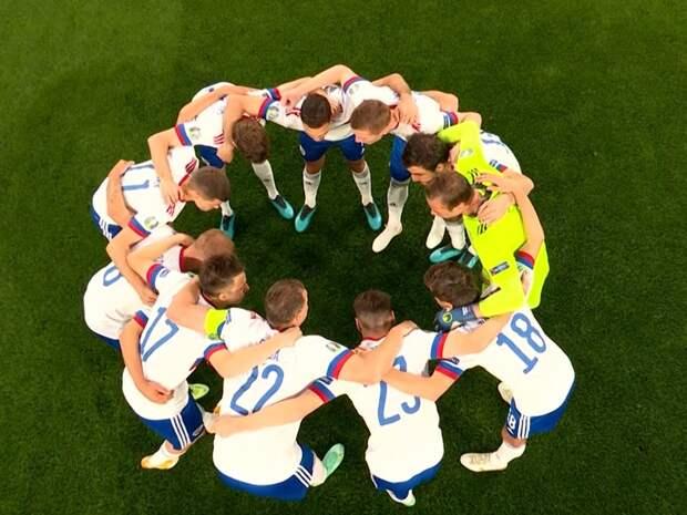 Россия объявила состав на матч с Финляндией: Сафонов заменит в воротах Шунина