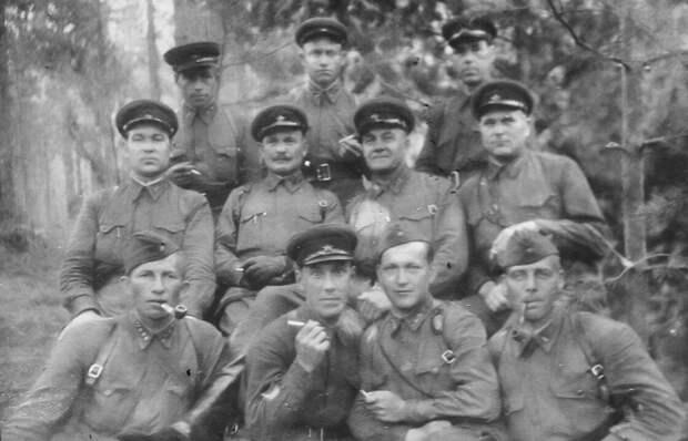 Группа командиров 128-й стрелковой дивизии