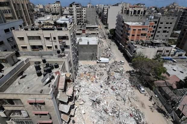 Путин поручил эвакуировать россиян, желающих уехать из сектора Газа