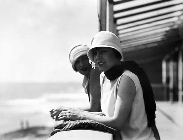 Руайан, Франция, 1926 год Стиль, винтаж, двадцатые, женщина, мода, прошлое, улица, фотография