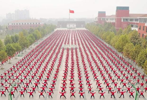 Почему вКитае толпа— это неугроза, аискусство