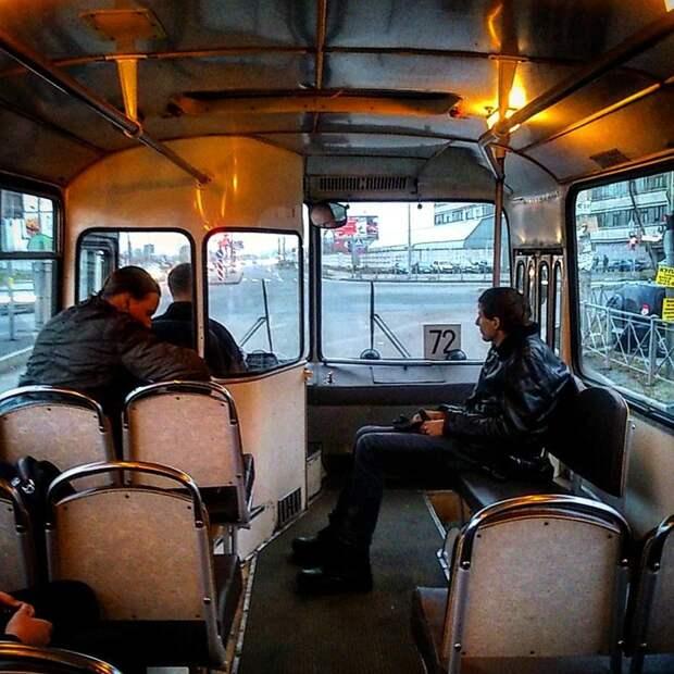 Единственный минус — над колёсными арками сидеть было жуть как не удобно автобусы, воспоминания, детство, ностальгия