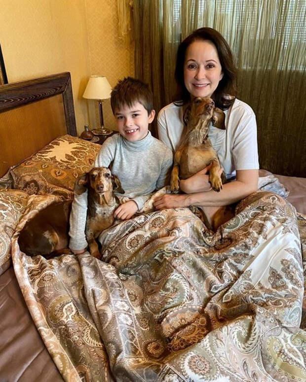 «Помогать сыну у него нет денег»: Ольга Кабо выиграла суд у бывшего мужа-банкрота