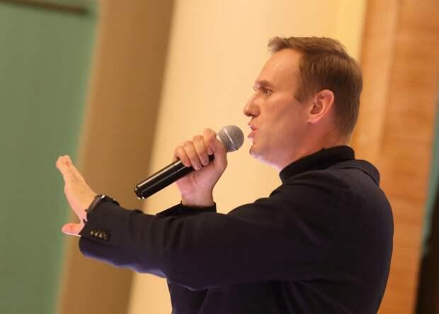 Канцлер Германии Ангела Меркель тайно навещала Алексея Навального в клинике Charite