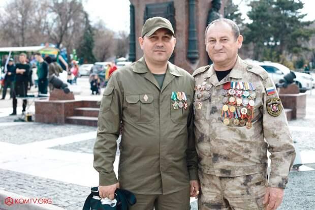 Глава ДНР Захарченко посетил Крым в годовщину референдума о присоединении к России 13