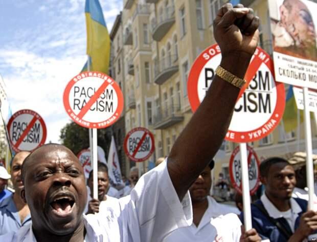 «Тошнородиться белым»: новый чудовищный расизм захватываетЗапад