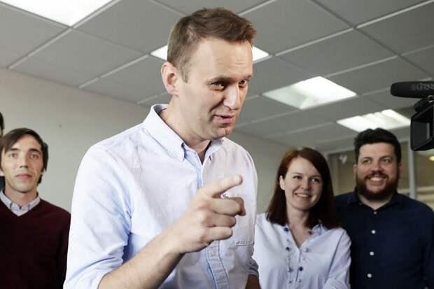 Автор Новичка заподозрил в отравлении Навального соратников