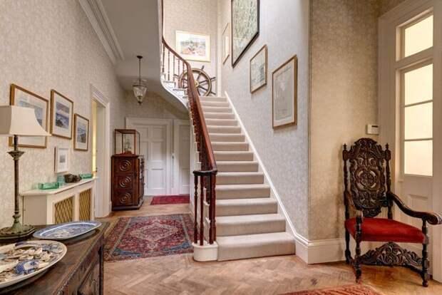 Классический Лестница by Colin Cadle Photography