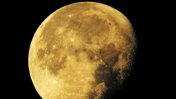 Роскосмос планирует построить многоразовую ракету для полетов к Луне
