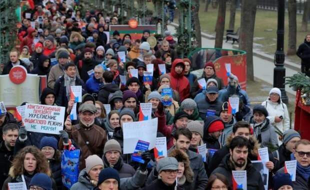 Оппозиция хотела превратить марш памяти в акцию протеста