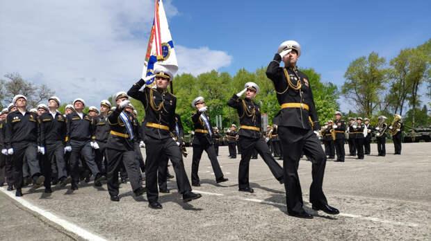 В Балтийске прошел военный парад в честь 318-й годовщины со дня основания Балтфлота