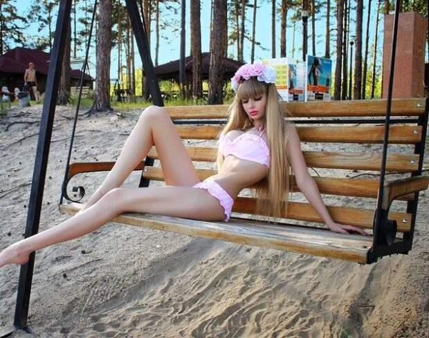 Слишком красива: 26-летнюю россиянку родители не пускают из дома