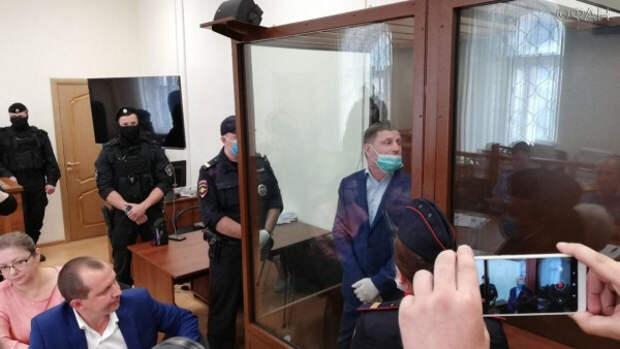 Сергей Фургал обвиняется в двух заказных убийствах