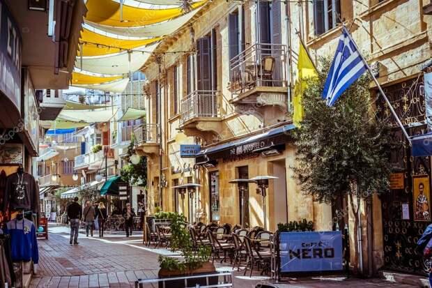 Кипр отменил некоторые ограничения для привитых от COVID-19 туристов
