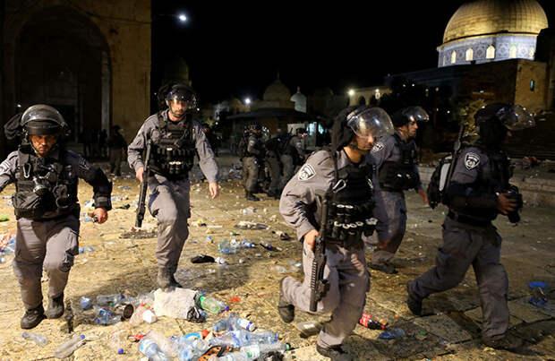 Эскалация на фоне безвластия: в столкновениях в центре Иерусалима пострадали две сотни палестинцев и несколько израильских полицейских