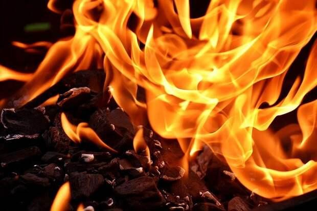 В квартире на Челобитьевском шоссе произошел пожар