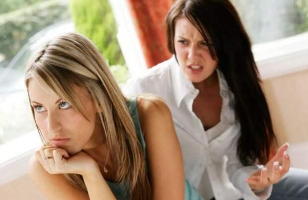 «Настоящая подруга поддержала бы в любом случае, а не учила жить!» – обиделась Марина