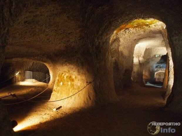 Под землёй существуют тоннели, ведущие в любую страну