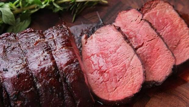 Мясо получилось нежное, словно паштет. Делимся способом приготовления целым куском