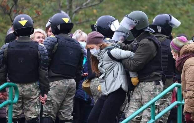 Сообщается о более 1000 задержанных в ходе акций протеста в Белоруссии