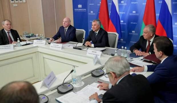 Володин призвал парламентариев России и Белоруссии сближать законодательство двух стран