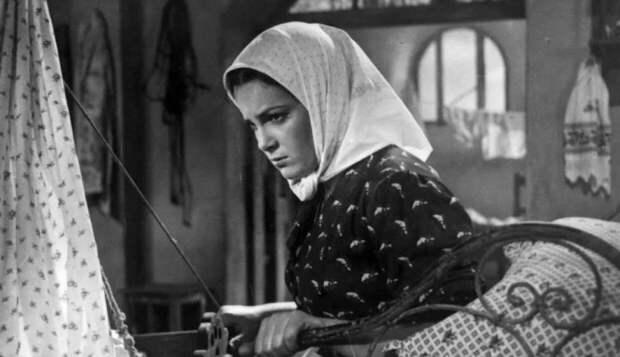 Актрису Элину Быстрицкую до смерти преследовали ужасные воспоминания о войне
