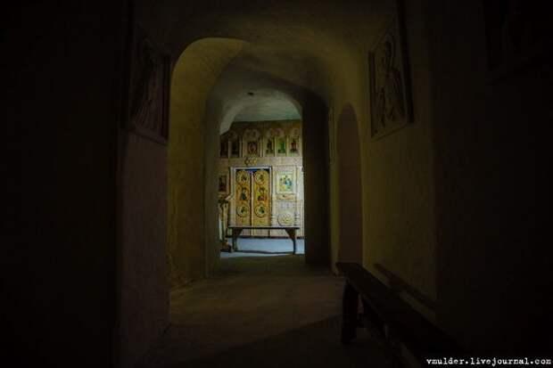 Холковский пещерный монастырь