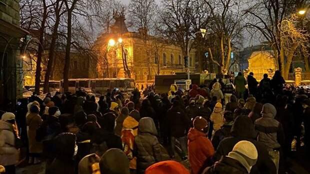 В Киеве задержали 24 участника столкновений у офиса Зеленского