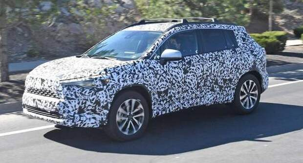 Toyota Corolla Cross заметили на испытаниях в США