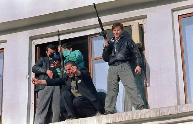 1991 ноябрь 14 Митинг в Грозном в честь вывода советских войск.jpg