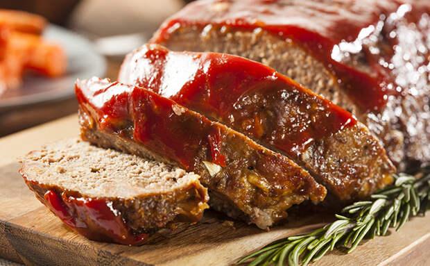 Превратили 500 граммов индейки в батон мясного хлеба: уходит и в нарезку, и с гарниром