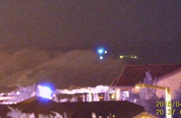 Американец каждый вечер наблюдает НЛО неподалеку от своего дома