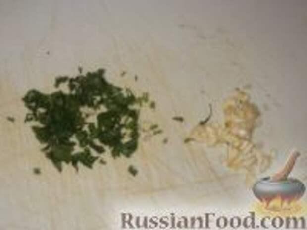 Фото приготовления рецепта: Картофельно-куриные оладьи - шаг №2