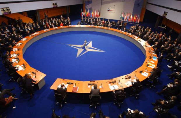 НАТО отказалось помогать Украине в войне с Россией
