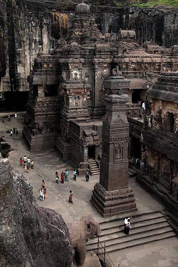 Храм выстоял несмотря ни на что.